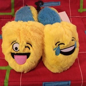 New girls yellow furry silly face slippers M 13-1
